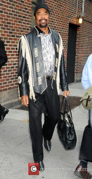Walt Frazier - Celebrities outside the Ed Sullivan Theater for 'The Late Show with David Letterman' - New York, United...