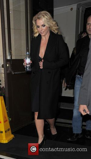 Britney Spears - Britney Spears leaving her hotel, to film a TV show - London, United Kingdom - Wednesday 16th...