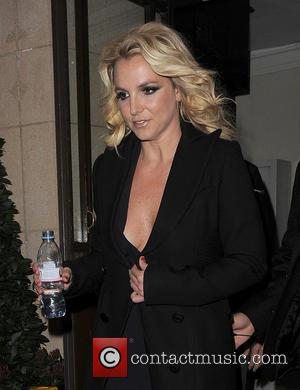 Britney Spears - Britney Spears leaving her hotel, to film...