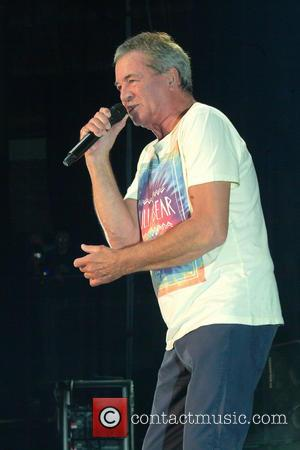 Ian Gillan Will Follow Kiss' Lead If Deep Purple Guitarist Is Overlooked At Hall Of Fame Induction