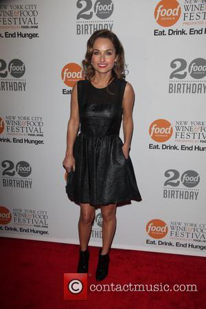 Thanksgiving With The Food Network Turns Sour As Giada De Laurentiis Slices Finger
