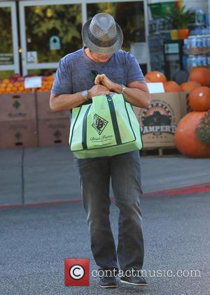 Chaz Bono - Chaz Bono does some grocery shopping at Bristol Farms carrying a reusable shopping bag and appearing camera...