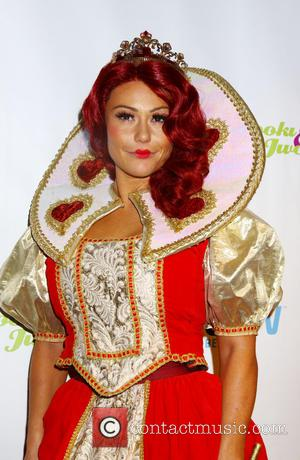 J Woww Jenni Farley - Snooki and J Woww dressed up as The Queen of Hearts and the White Queen...