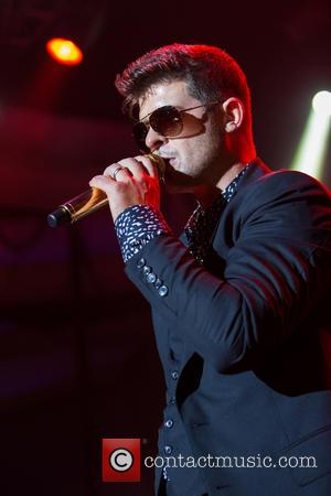Robin Thicke - Robin Thicke performs at the Palladium