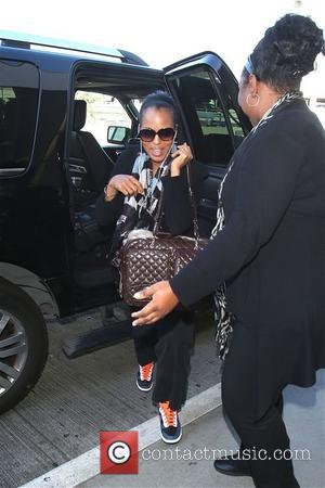 Kerry Washington - Scandal star Kerry Washington arrives at LAX, Los Angeles International Airport witrh her pet dog, Josie -...