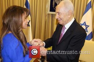 Shimon Peres and Paula Abdul