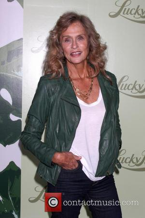 Lauren Hutton - Lucky Brand flagship store opening benefiting The Art of Elysium in Beverly Hills - Arrivals - Los...