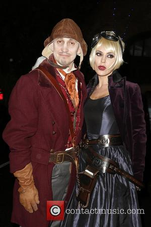 Gary Lineker and danielle lineker - Jonathan Ross celebrates Halloween with his yearly party held at his house in Hampstead....
