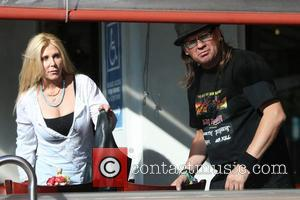 Pamela Bach and Rick Mendoza - Pamela Bach has lunch at the Newsroom with her paparazzo friend, Rick Mendoza. -...