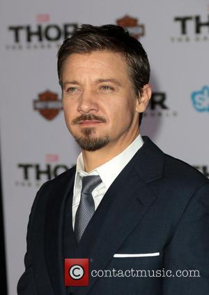 Jeremy Renner Not Planning To Wed Baby's Mother