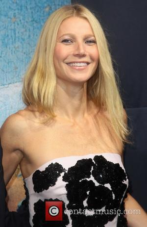 "Gwyneth Paltrow's Mother ""Begged Gwyneth Not To End"" Her Marriage To Chris Martin"