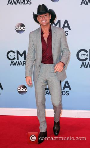 Tim Mcgraw And Luke Bryan Named 2013 Cmt Artists Of The Year