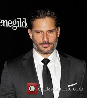 Joe Manganiello Reprises Roadie Role At Goldfinger Gig