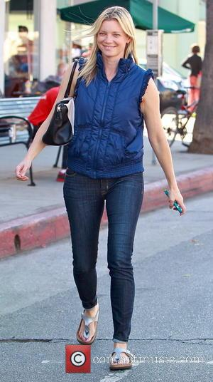 Amy Smart - Amy Smart leaves a nail salon after treating herself to a pedicure - Los Angeles, California, United...