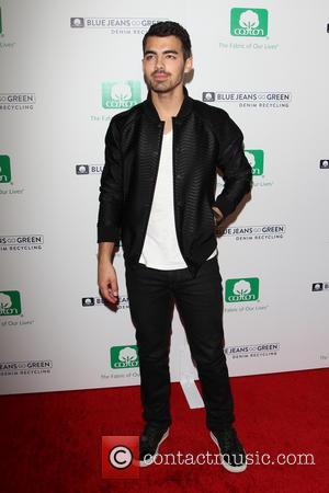 Nick Jonas Reunites With Brother Joe For Awards Show Gig