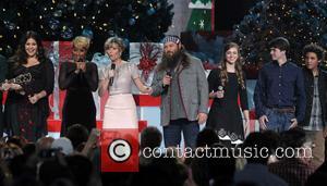Hillary Scott, Mary J. Blige, Jennifer Nettles and Willie Robertson