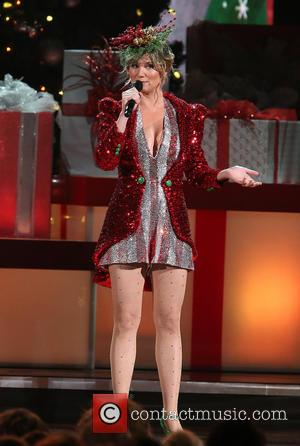 Jennifer Nettles - 2013 CMA Country Christmas hosted by Jennifer Nettles at The Bridgestone Arena - Nashville, Tennessee, United States...