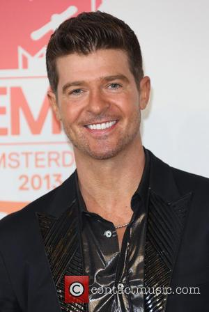 Robin Thicke - MTV Europe Music Awards (EMA's) 2013