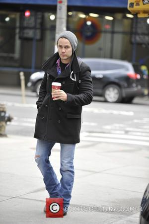Taylor Kitsch - Taylor Kitsch leaves his hotel - Manhattan, New York, United States - Tuesday 12th November 2013