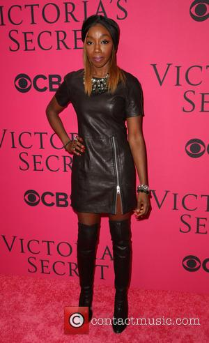 Estelle - 2013 Victoria's Secret Fashion Show at Lexington Avenue Armory - Arrivals - New York City, New York, United...
