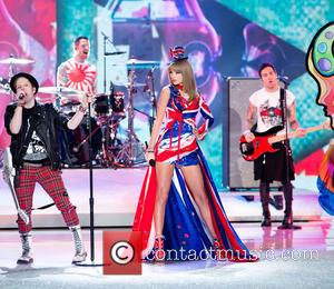 Taylor Swift and Fall Out Boy