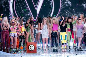 Taylor Swift, Neon Jungle and Models