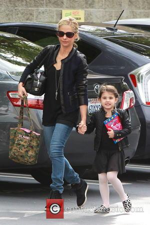 Sarah Michelle Gellar and Charlotte Prinze - Sarah Michelle Gellar and her daughter Charlotte out and about in Los Angeles...