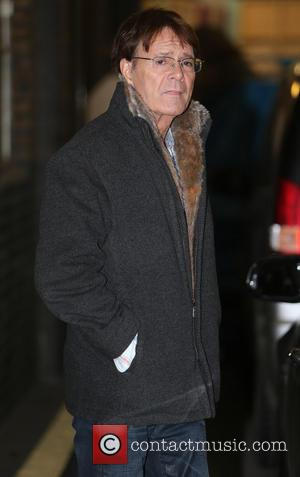 Sir Cliff Richard - Sir Cliff Richard outside the ITV studios - London, United Kingdom - Monday 18th November 2013