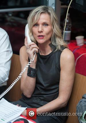 Linda Barker - Celebrities supporting the DEC Philippines Typhoon Appeal during a telethon at BT Tower. - London, United Kingdom...