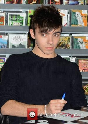Nathan Sykes - The Wanted sign their new album