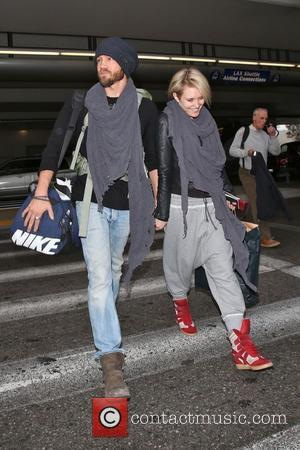 Chad Michael Murray and Nicky Whelan - Chad Michael Murray and his new girlfriend Nicky Whelan arrive at LAX aiport,...
