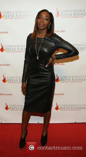 Estelle - Christopher & Dana Reeve Foundation's A Magical Evening Gala held at Cipriani Wall Street - New York, United...