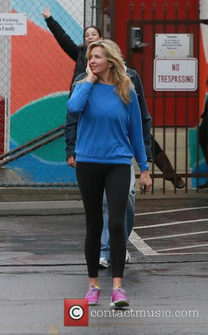 Penny Lancaster - Rod stewart and Penny Lancaster do a school run in Los Angeles - Los Angeles, California, United...