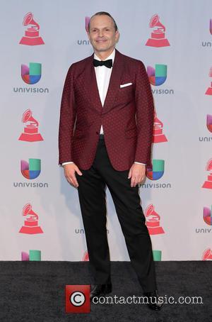 Grammy Awards, Miguel Bose