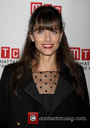 Amanda Peet's Playwright Debut Wins Warm Welcome