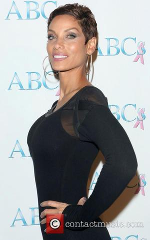 Nicole Murphy - ABC's 24th Annual The Talk of The Town Gala at Beverly Hilton Hotel - Arrivals - Beverly...