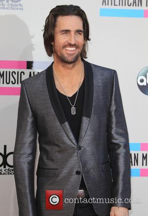 Jake Owen - 2013 American Music Awards - Arrivals held at Nokia Theatre L.A. Live in Los Angeles, CA. 24-11-2013...
