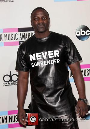Akon - 2013 American Music Awards - Arrivals