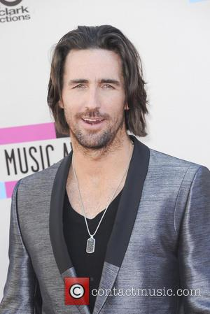 Jake Owen - The  2013 American Music Awards Arrivals - Los Angeles, California, United States - Sunday 24th November...