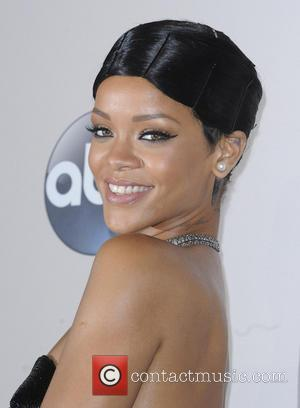Rihanna - 2013 American Music Awards
