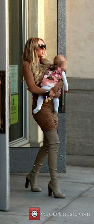 Petra Stunt and Lavinia Stunt - Petra Stunt out and about on North Beverly Drive in Beverly Hills carrying daughter...