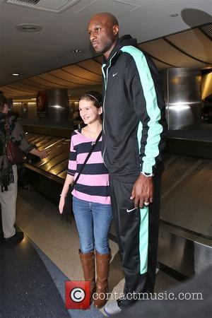 Lamar Odom - Lamar Odom arrives at Los Angeles International Airport (LAX) as he arrives back for the holidays -...