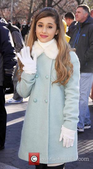 Ariana Grande - Ariana Grande at the 2013 Macy's Thanksgiving Day Parade in New York City - New York City,...