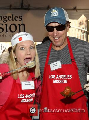 Susan Yeagley and Kevin Nealon - LA Mission's Annual Thanksgiving For The Homeless - Los Angeles, California, United States -...