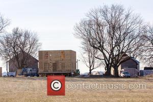 Batman vs Superman 'Kent Farm' film set construction - Yorkville, Illinois, United States - Friday 29th November 2013