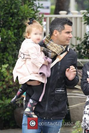Cash Warren and Haven Warren - Jessica Alba, along with husband Cash Warren, take their two daughters shopping on Black...