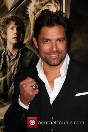 Manu Bennett - Los Angeles Film Premiere of 'The Hobbit: The Desolation of Smaug' at The TCL Chinese Theatre -...