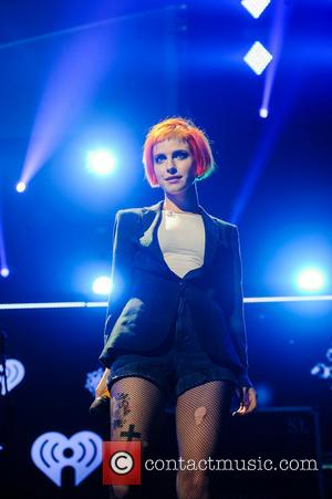 Hayley Williams - Q102's Jingle Ball 2013 at Wells Fargo Center - Philadelphia, New York, United States - Wednesday 4th...