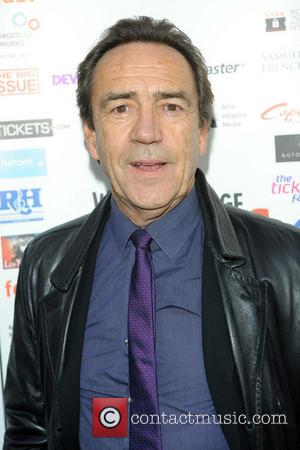 Robert Lindsay Embroiled In Beer Battle