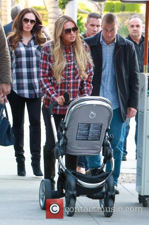 Petra Ecclestone and Tamara Ecclestone - Petra Ecclestone visits Spago restaurant in Beverly Hills to have lunch with her family...